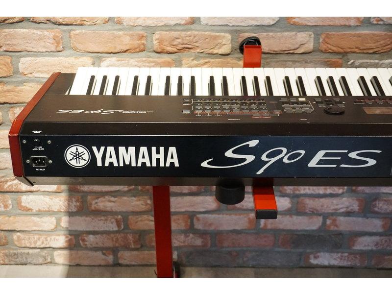 Yamaha  S90 ES (gebruikt)