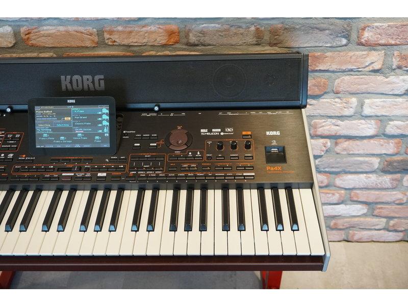 KORG PA4X 61 met PAAS speaker (jong gebruikt)
