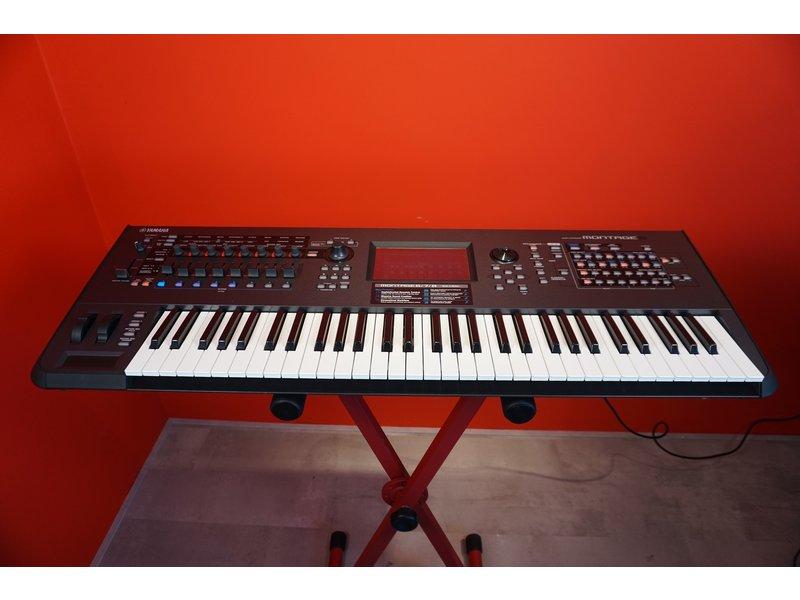 Yamaha Montage 6 (Jong Gebruikt)