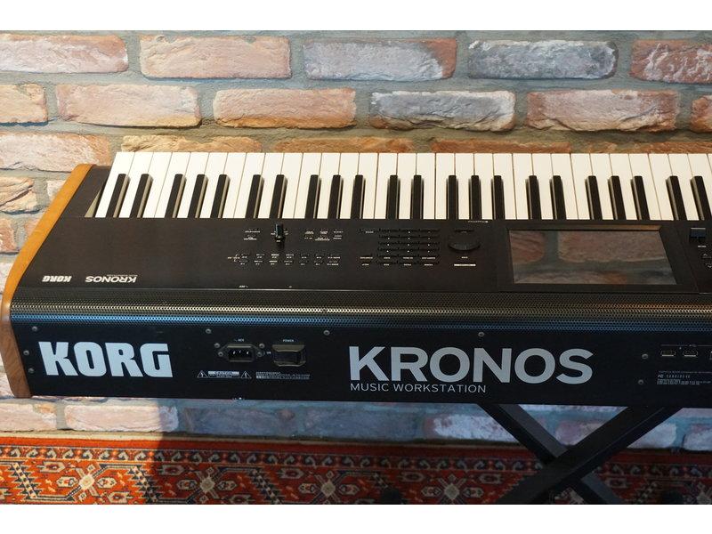 KORG Kronos v2 73 (jong gebruikt)