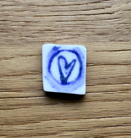 Small tile with blue heart 20x20mm