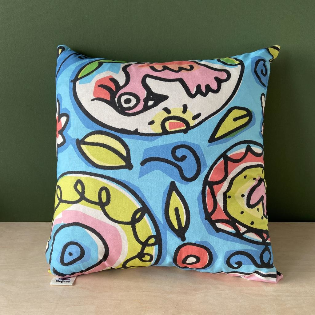 Pattern cushion 18 x 18""