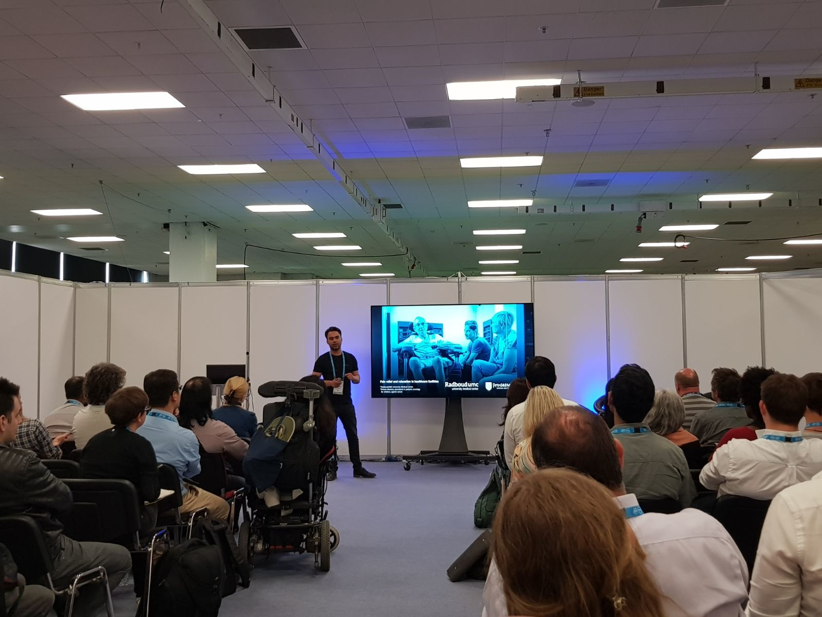 Sensiks VR world health talk