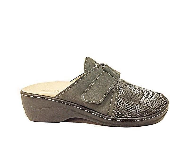 IAEH39-UC Grey Slippers