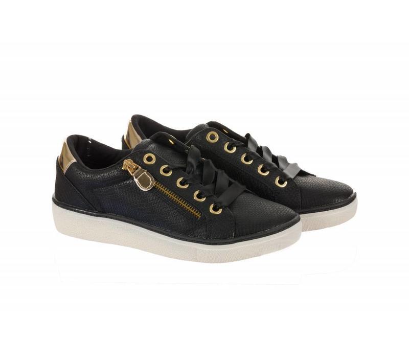 324890 Black Sneakers