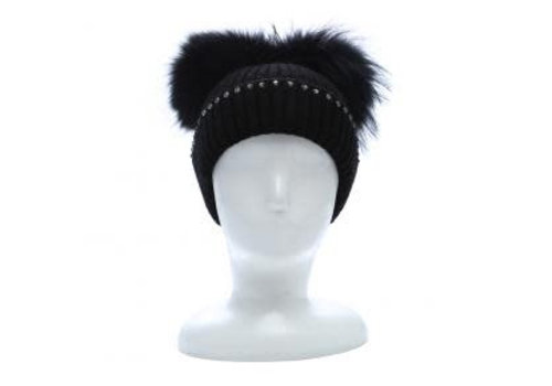 Peach Accessories SD16 Double Pom Pom Hat in Black