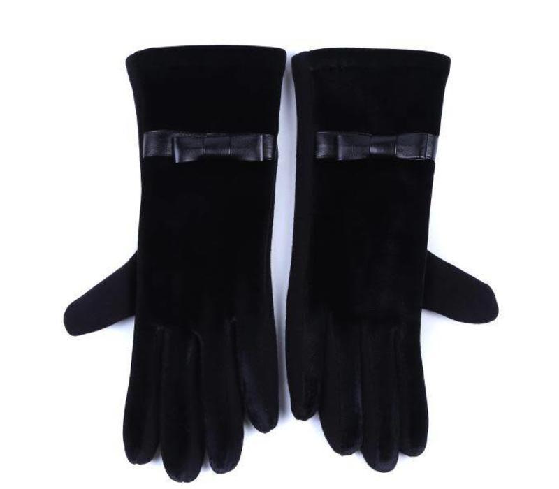 HA73 Black Velvet Gloves