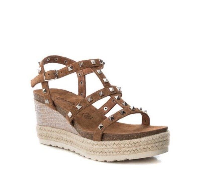 Carmela 66719 Tan Stud Sandal