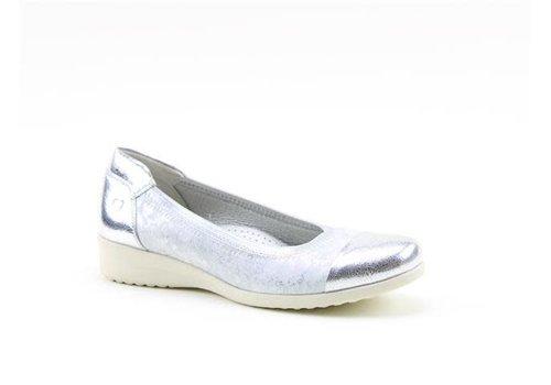 Heavenly Feet H.F. ZEST Silver Pumps
