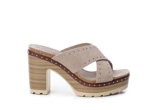Carmela Carmela 66674 Taupe Suede Sandals
