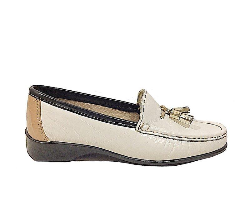Teresa Torres 5271 White Loafer