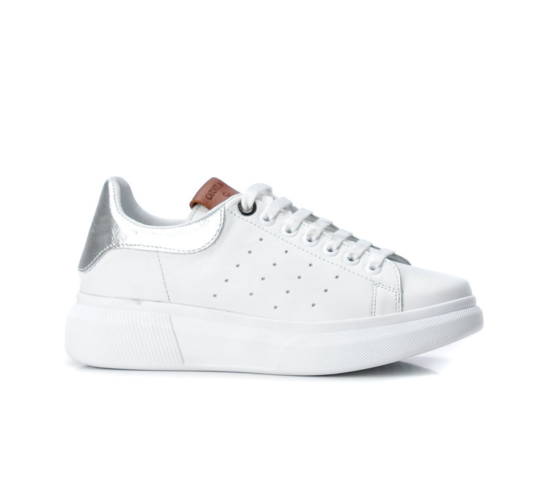Carmela 67147 White/Silver Sneaker