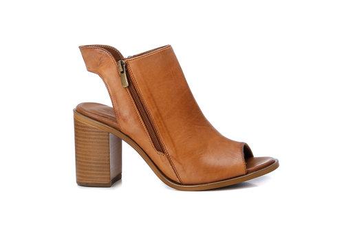 Carmela Carmela 67131 Tan shoe boot