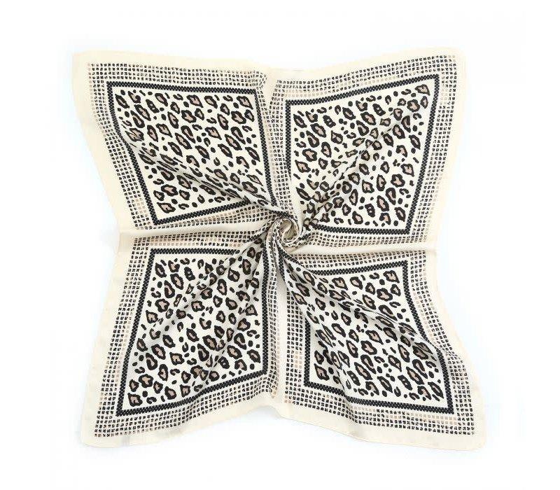 Peach F672 silver leopard scarf