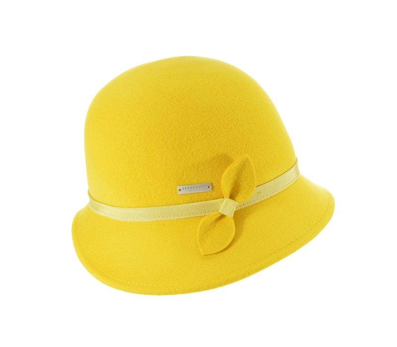 Seeberger 018472/42 Yellow Felt Cloche