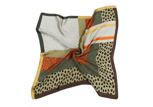 Peach Accessories Peach F710 Mixed Leopard square scarf