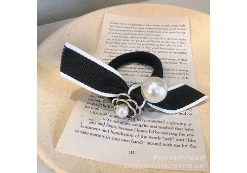 Peach Accessories HA166 Black/Cream Rose & Pearl Scrunchie