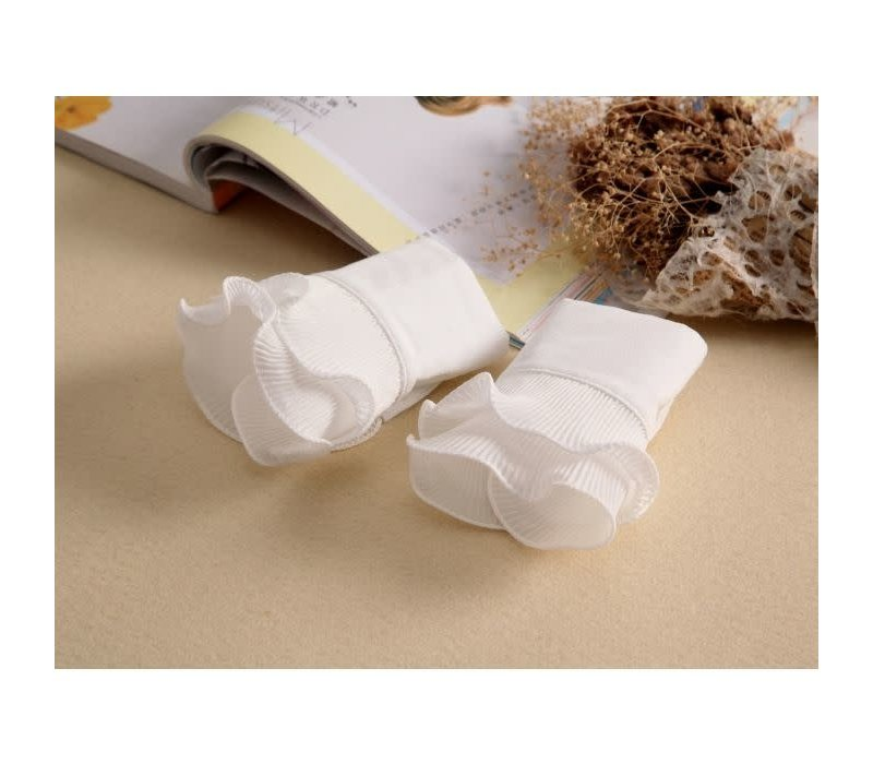 7724 pretty White cotton Cuff's
