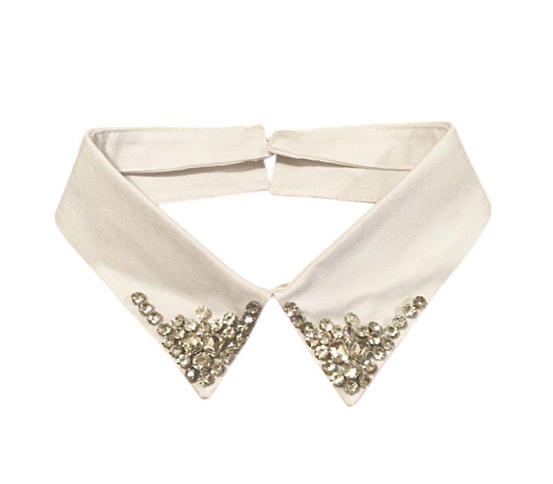 7731 White jewel Neck Collar