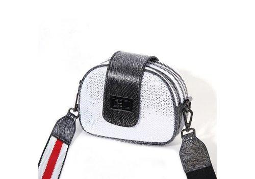 Peach Accessories PO20 Crossbody Bag in Silver