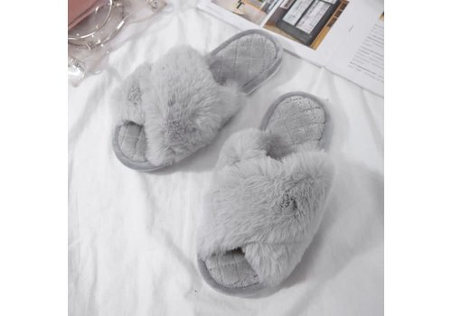 Peach Accessories 1923 Criss cross fluffy Silver Grey Slippers