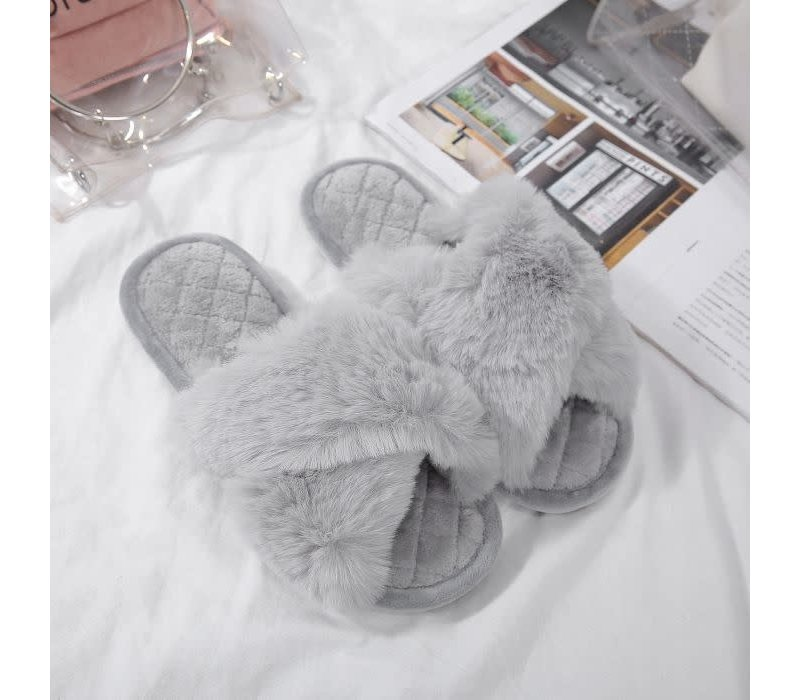 1923 Criss cross fluffy Silver Grey Slippers