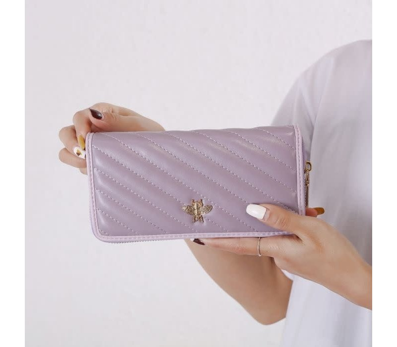 9022 Bee Purse in Lilac