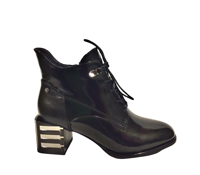 REDZ H1002 Black Patent Boot