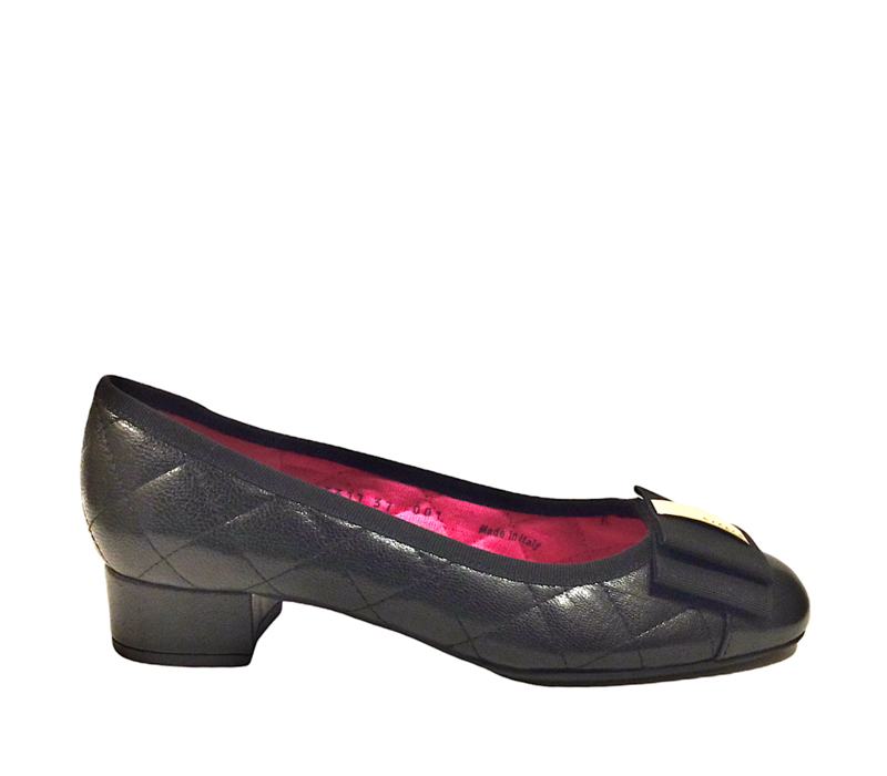 Le Babe 3317  Black quilted Pump