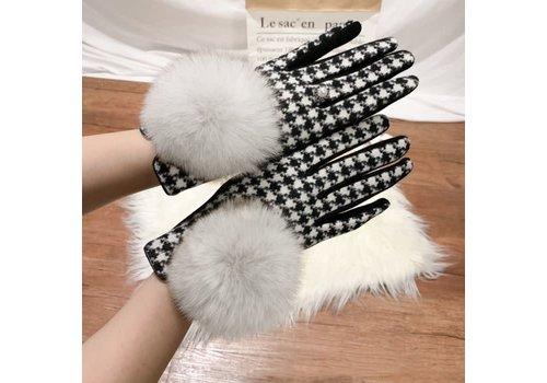 Peach Accessories HA215 Black/White Houndstooth Gloves