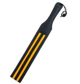 Schwarze Lederklatsche mit gelben Streifen