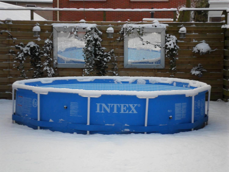 Het winterklaar maken van een zwembad