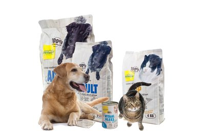 Honden en kattenvoeding