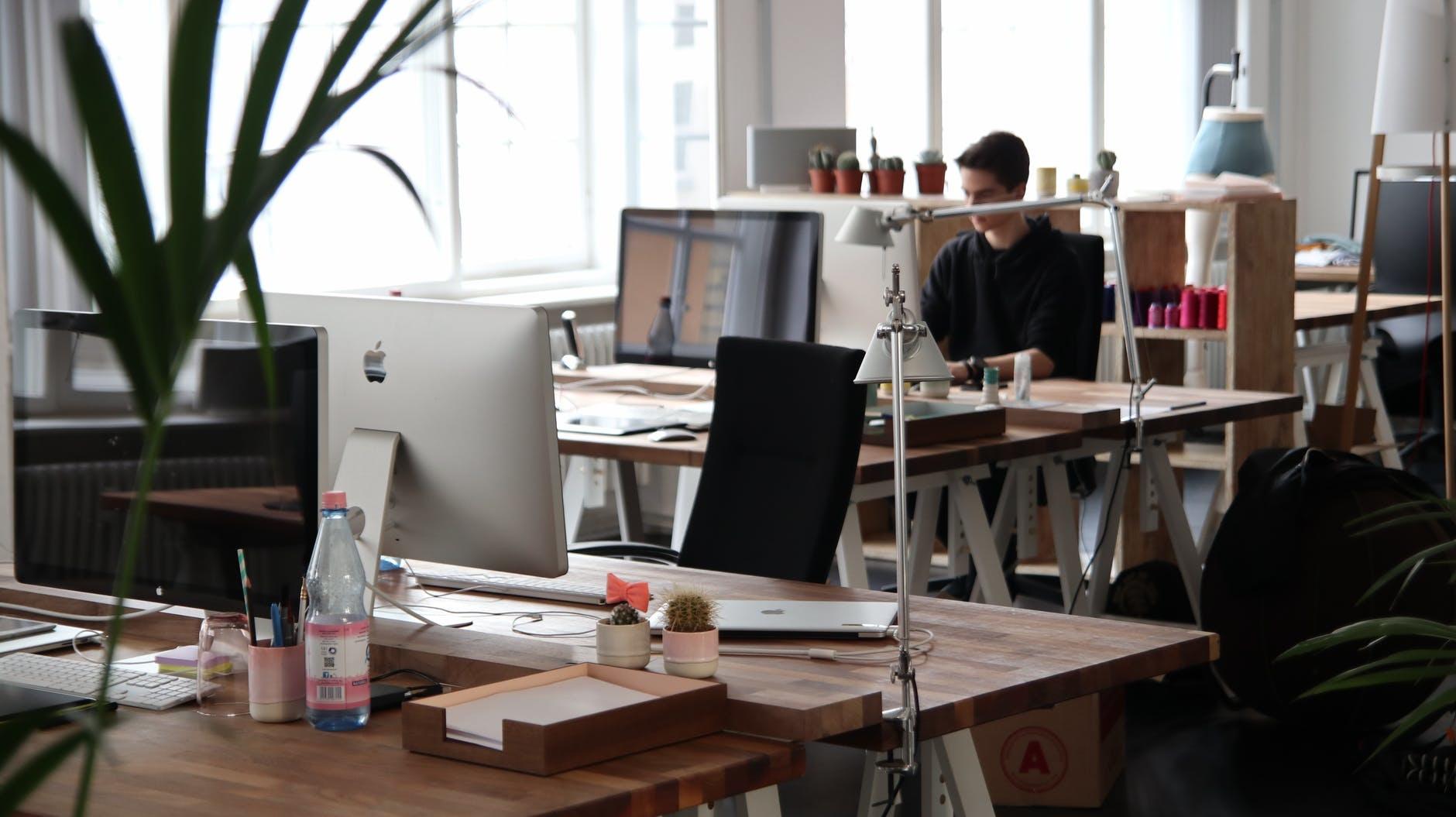 Problemen met de lucht in huis of op kantoor? Ontdek wat je er aan kunt doen