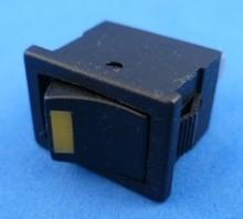 E701 aan/uit met LED geel
