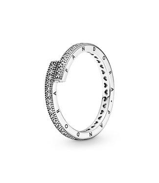 Pandora Sparkling Overlapping ring 199491C01