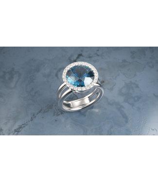 Willems Creations ring 18kt witgoud met London Blue  en briljant 184959