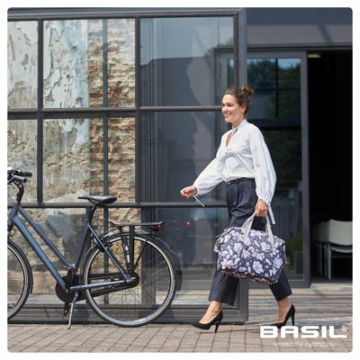 Basil Magnolia - single bicycle bag - 18 liter - pastel powders