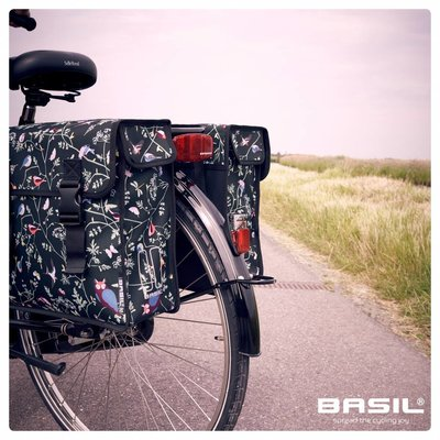 Basil Wanderlust - doppelte Fahrradtasche - 35 Liter- schwarz