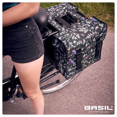Basil Wanderlust - dubbele fietstas - 35 liter - zwart