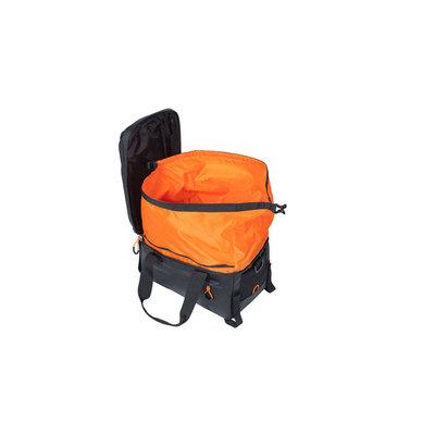 Basil Miles Tarpaulin - Gepäckträgertasche - 7 Liter - schwarz/orange