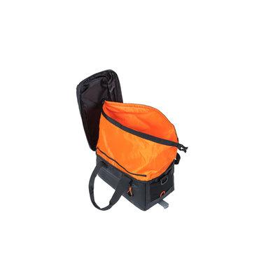 Basil Miles Tarpaulin - Gepäckträgertasche MIK - 7 Liter - schwarz/orange