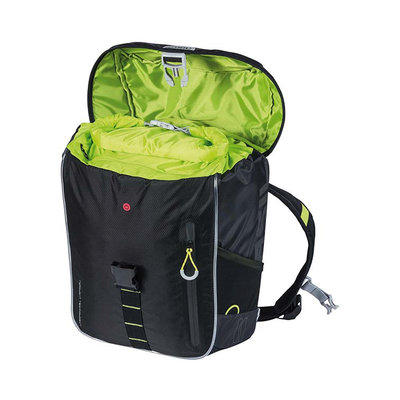 Basil Miles Nordlicht - bicycle backpack with LED-strip - 17 liter - black