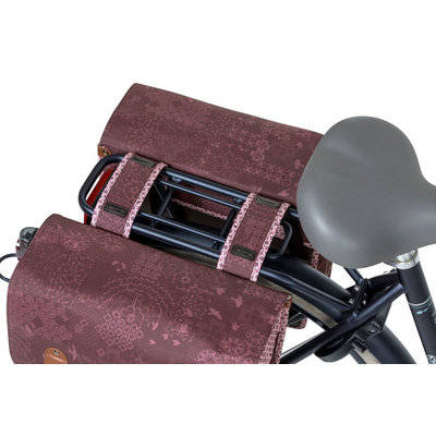 Basil Bohème - doppelte Fahrradtasche - 35 Liter - rot