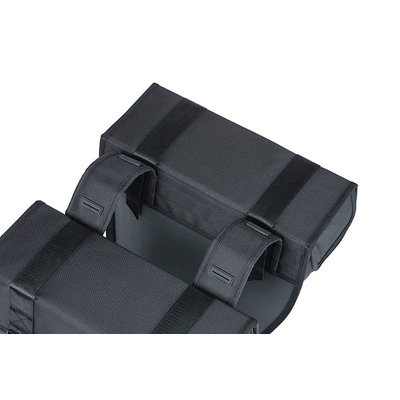 Basil Tour Waterproof - dubbele fietstas - 28 liter - zwart