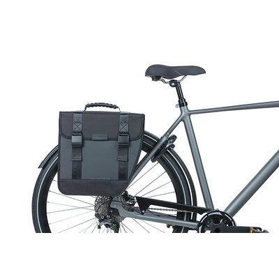 Basil Tour Waterproof Right - enkele fietstas - 14 liter - zwart