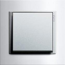 Event wit glans/aluminium mat