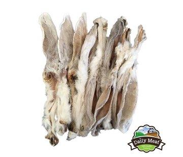 Daily Meat DailyMeat Konijnenoren met vacht 150gr
