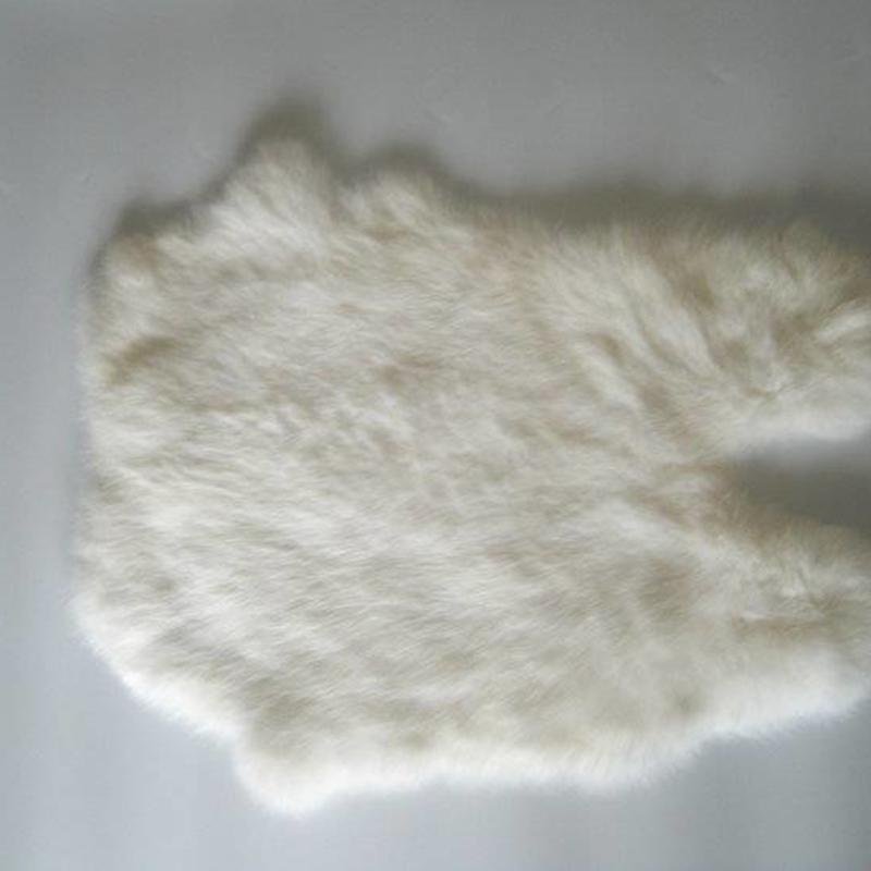 Janshop Konijnenvacht 45 x 32cm wit