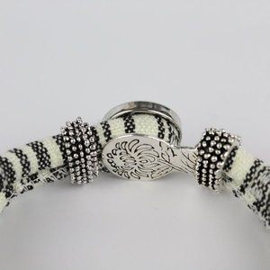 Janshop Bohemian Kleurige Katoen Armband 18mm Snap Button Wit + Zwart golven